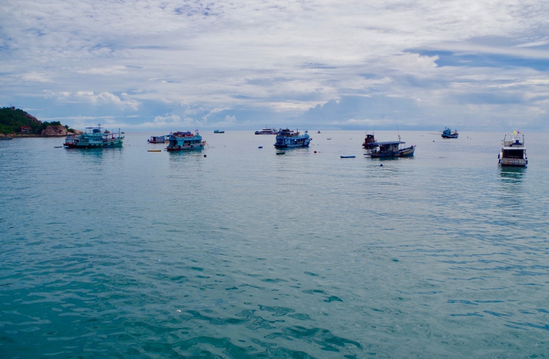 Dive boats off Sairee Beach